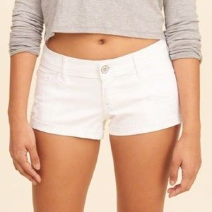 NWOT Abercrombie & Fitch White Low Rise Short